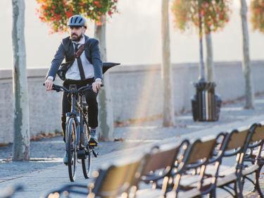 Titelbild Geschäftsbereiche E-Bikes und Fahrräder